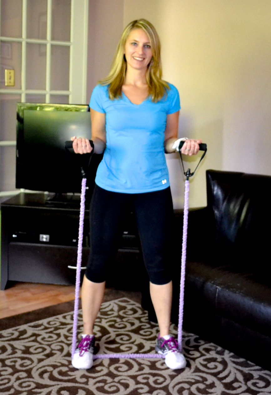 Simple Exercise Band Workout - Exercisebands are the perfect tool for a variety of exercises no matter what your personal fitness level is. #workout #simpleworkout #beginnerworkout