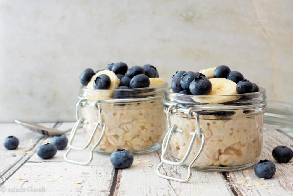 Blueberry Banana Overnight Oats – simplify your breakfast with this easy overnight oats recipe in a jar.