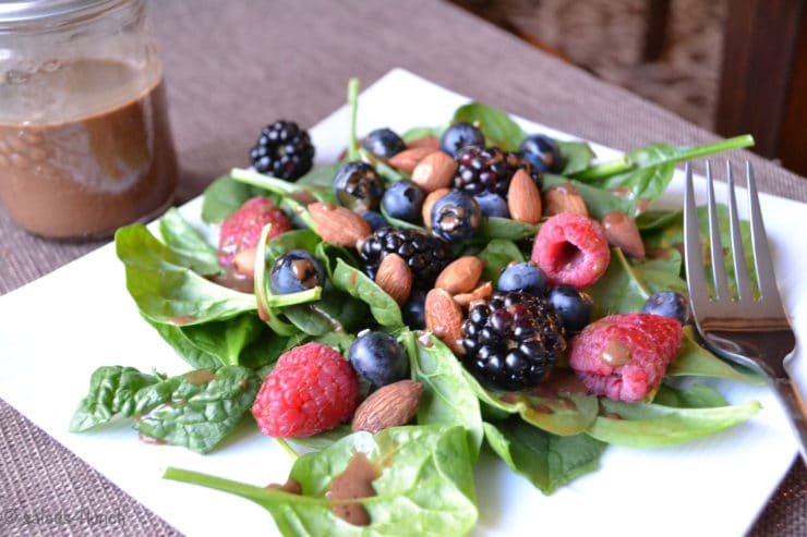 Berry and Spinach Salad with Balsamic Salad Dressing: A healthy and incredibly simple spinach salad topped with strawberries, blueberries, almonds, a squeeze of lemon, and a delightful balsamic vinegar dressing.