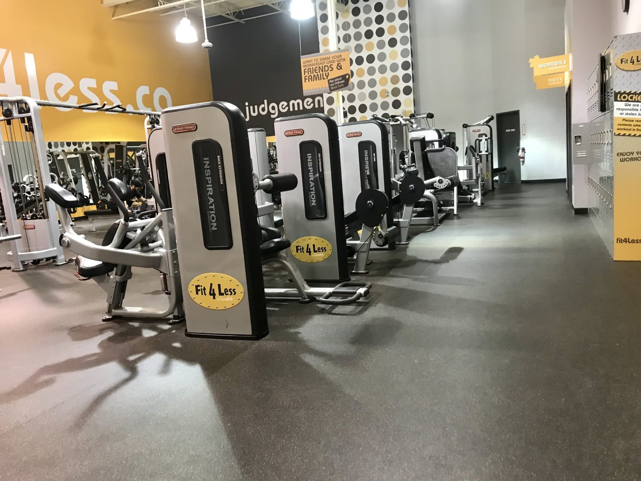 Fit4less Strength Training Machines